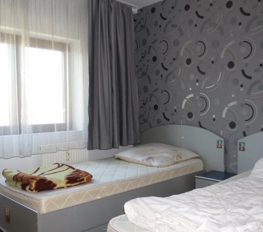 Apartament 4 camere, decomandat, doua bai, etaj 3, Micalaca-Orizont - imagine 1