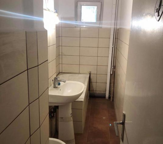 Vand apartament 2 camere, parter, zona Vlaicu- Fat Frumos - imagine 1