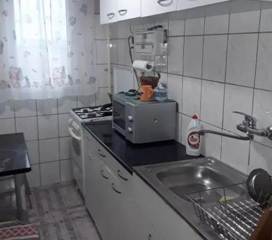 Vand apartament 3 camere, etajul 5, zona Vlaicu - imagine 1