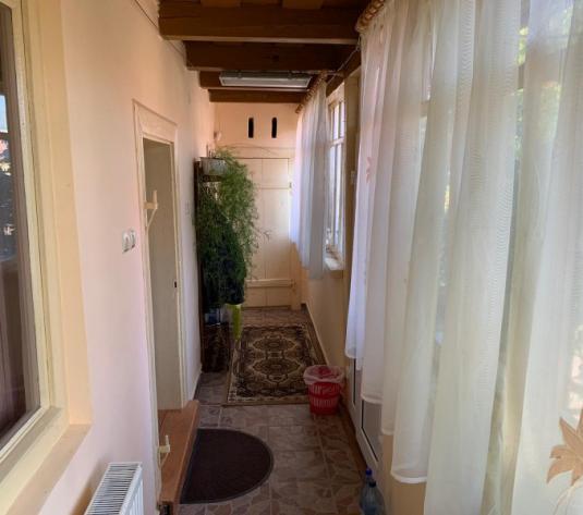 Vand casa 4 camere, renovata, Covasint - imagine 1