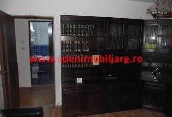 Apartament 3 camere de vanzare in Cluj, zona Manastur, 58000 eur
