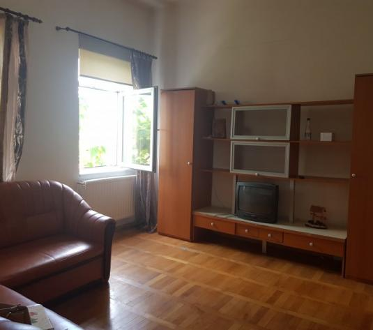 Vand apartament la casa, 2 camere, etajul 1, Zona Aradul Nou - imagine 1