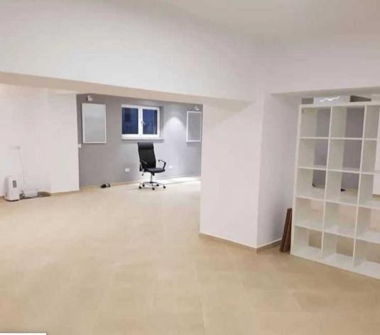 Vanzare apartament 3 camere in Borhanci zona strazii Brancusi - imagine 1