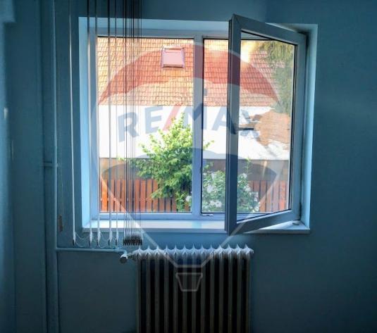 Apartament cu 3 camere de vanzare in zona Gheorgheni - imagine 1