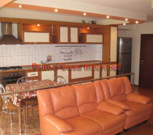 Vanzare apartament Pod Butelii - imagine 1