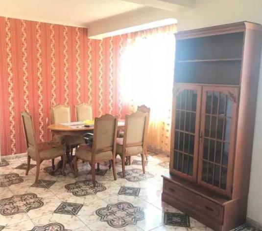 Vanzare apartament 3 camere in Dambu Rotund zona Autogarii Beta - imagine 1