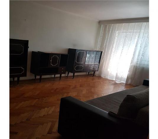 Ultracentral: Apartament 3 camere situat in zona MOBILUX - imagine 1