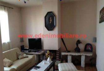 Apartament 4 camere de vanzare in Cluj, zona Manastur, 89999 eur