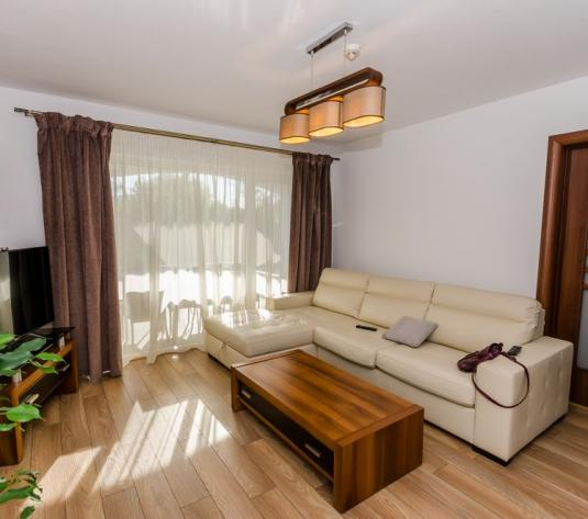 Apartament 3 camere nou, curte 80, parcare, Selimbar - imagine 1