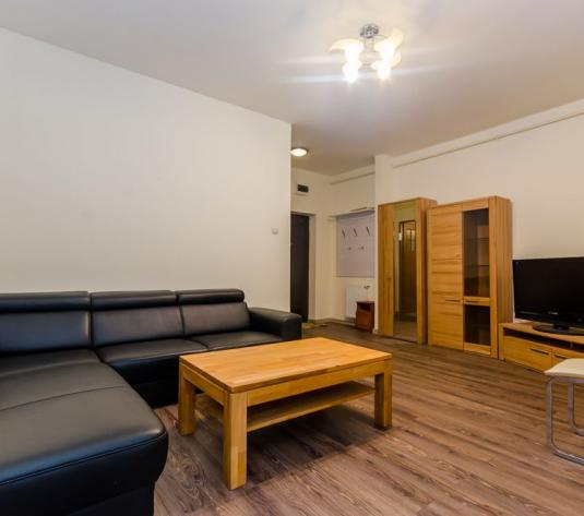 Apartament 3 camere, bloc nou, parter inalt, mobilat, Strand - imagine 1
