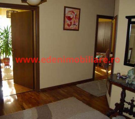 Apartament 3 camere de vanzare in Cluj, zona Andrei Muresanu, 220000 eur