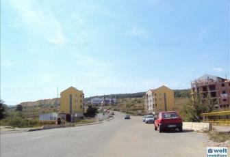 Vanzare casa la rosu, situata in Floresti, zona foarte buna la marginea padurii