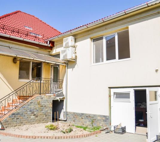Casa moderna 4 camere zona Lupeni - imagine 1