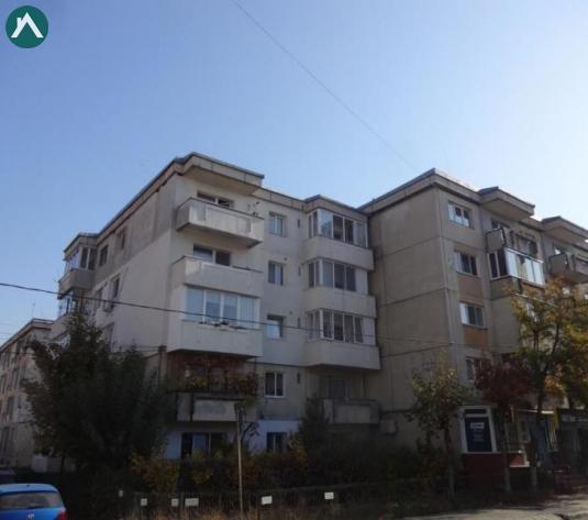 Apartament cu 3 camere decomandate,cu poziționare deosebită, zona străzilor Dunării Tulcea - imagine 1