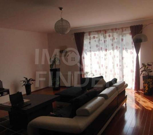Vanzare apartament 122 mp, zona Salii Polivalente