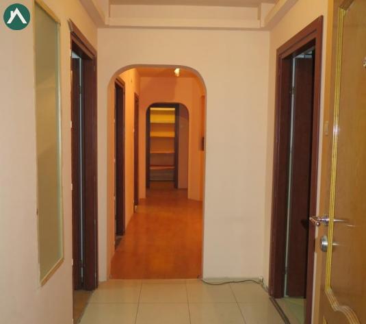Apartament 5 camere amenajat Micalaca - Zona 200 - imagine 1