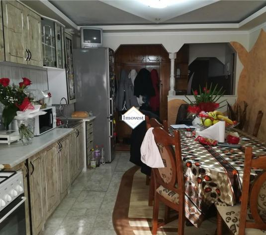 Apartament 3 camere de vanzare Satu Mare - imagine 1