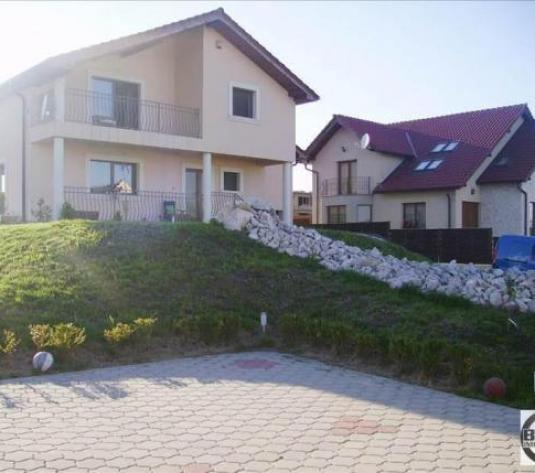 Casa individuala, 214 mp utili, teren de 896 mp, zona Europa! - imagine 1