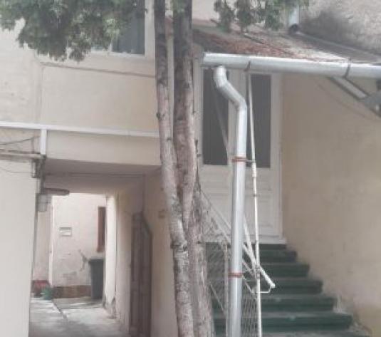 Apartamente in casa  - Inchiriere - imagine 1