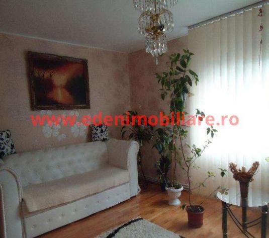 Apartament 3 camere de vanzare in Cluj, zona Manastur, 90000 eur