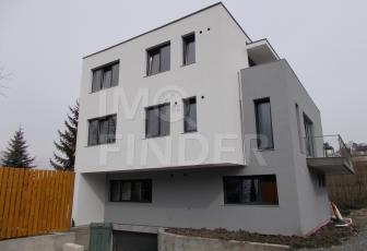 Vanzare apartament 3 camere in vila, zona Campului