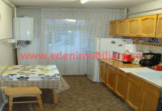 Apartament 3 camere de vanzare in Cluj, zona Manastur, 67000 eur