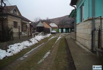 Casa de vanzare la 15 km de Cluj- Napoca in com. Luna de Sus
