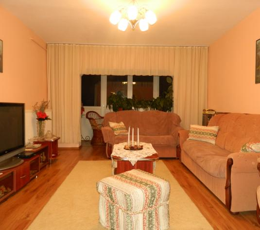 Apartament 4 camere, Micalaca, centrala proprie - imagine 1