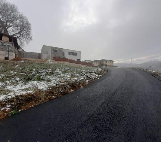 Teren intravilan 527 mp,drum asfaltat, utilitati cartier Europa - imagine 1