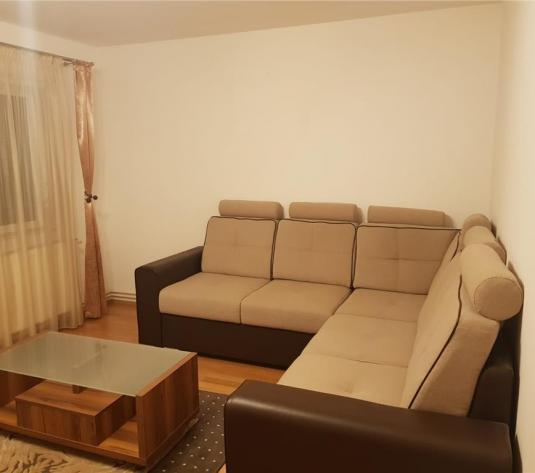 Apartament 3 camere decomandate, zona The Office - imagine 1