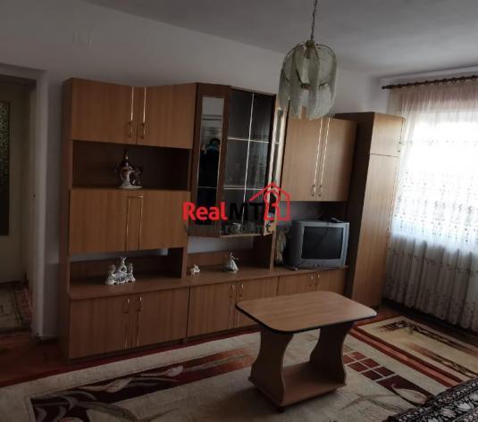 Apartament 3 camere, Cetate - imagine 1