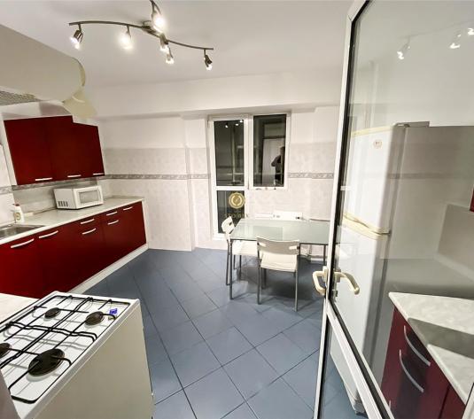 Vanzare apartament 3 camere Unirii - imagine 1