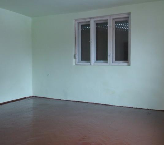 Casa de inchiriat cu 3 camere, 1440 mp teren, zona Micalaca - imagine 1
