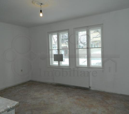 Casa de vanzare, 2 camere decomandate, 52 mp, zona BRD Marasti - imagine 1