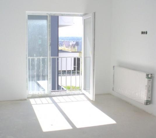 Apartament 3 camere, etaj 1 in zona Calea Ciasnadiei - imagine 1