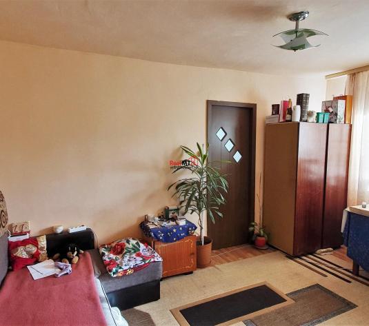 Apartament 2 camere, semidecomandat, cu balcon, Cetate - imagine 1