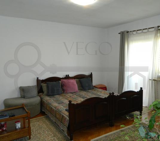 Apartament cu 3 camere decomandat, 2 bai, 2 balcoane, parcare, Zorilor - imagine 1