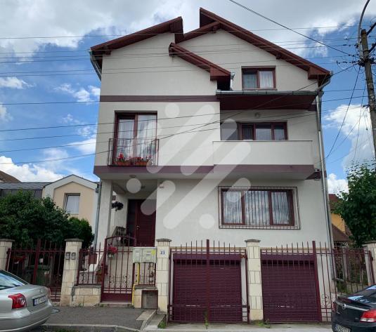 Casa / Vila cu 10 camere de vanzare in zona Gruia - imagine 1