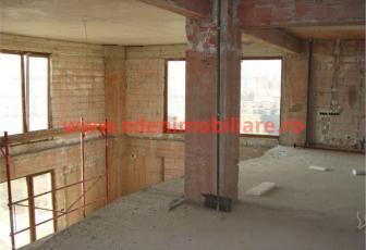 Apartament 5 camere de vanzare in Cluj, zona Manastur, 280000 eur