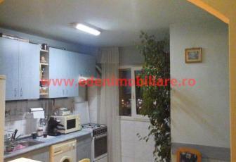 Apartament 3 camere de vanzare in Cluj, zona Marasti, 70000 eur