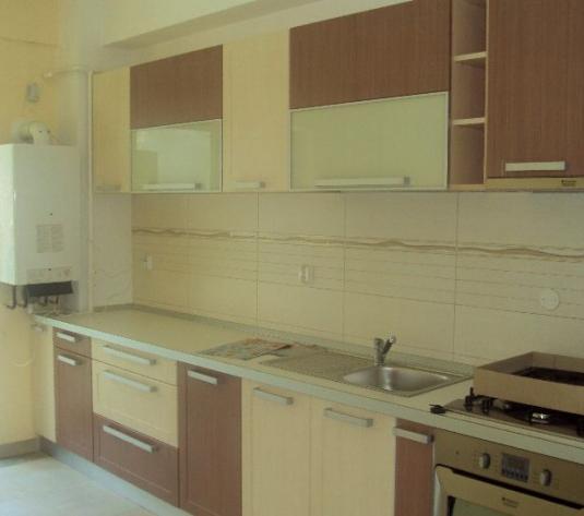 Apartament 3 camere Teilor - imagine 1