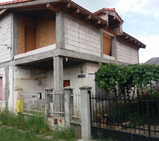 Casa P+M zona Draxlmaier, 4 ari teren, intrare auto, in gri, utilitati, 135 mp - imagine 1