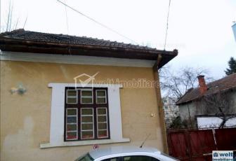 Vanzare casa 2 camere, Grigorescu, curte 200mp extratabular, zona Biomedica
