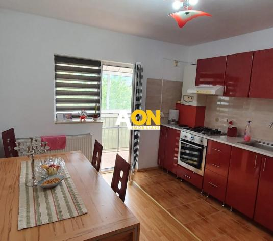 Apartament 3 camere, mobilat, utilat, cu garaj, la vila - imagine 1