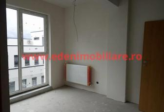 Apartament 3 camere de vanzare in Cluj, zona Centru, 68000 eur