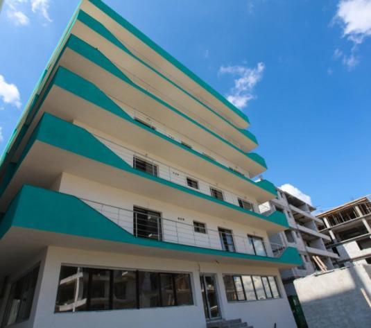 VANDUT! Apartament cu 2 camere IMENS, la 2 pasi de plaja, langa Promenada - imagine 1