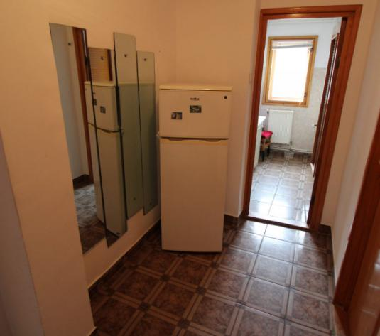 Zona Mioritei, 4 camere, 49500 E - imagine 1