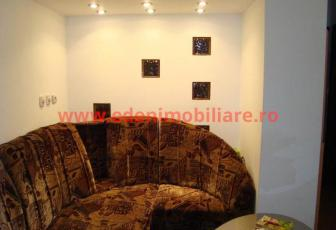 Apartament 3 camere de vanzare in Cluj, zona Manastur, 85500 eur