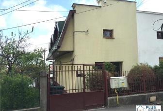 Casa pentru sediu de firma, spatii depozitare, renovata