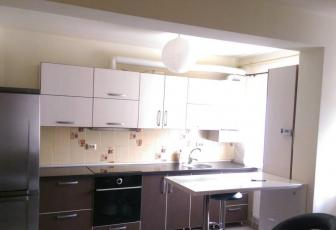 Apartament de vanzare, 2 camere, 52 mp, zona strazii Florilor, Floresti